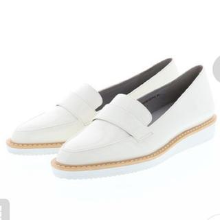 ランダ(RANDA)のポインテッドシューズ(ローファー/革靴)