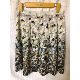 イネド(INED)のレディース - 花柄スカート(ひざ丈スカート)