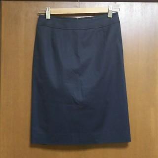 イネド(INED)のイネド 黒色のタイトスカート(ひざ丈スカート)