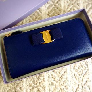 サルヴァトーレフェラガモ(Salvatore Ferragamo)の美品♡フェラガモ ヴァラ L字長財布♡(財布)
