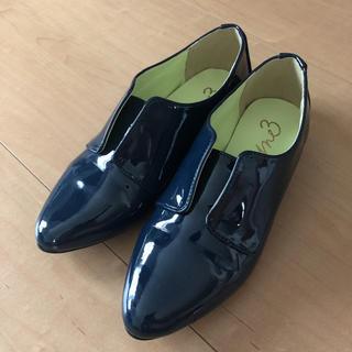 エムトロワ  エナメルシューズ22.5cm(ローファー/革靴)