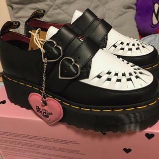 ドクターマーチン(Dr.Martens)のlazy oaf x dr.martens クリーパーシューズ 白 UK4(ローファー/革靴)