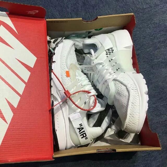 NIKE(ナイキ)のナイキ エアプレスト オフホワイト 27.5cm メンズの靴/シューズ(スニーカー)の商品写真