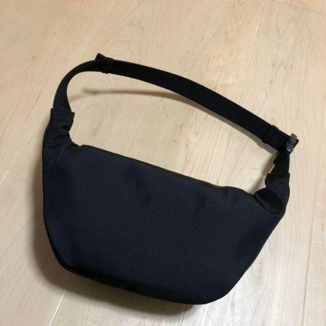 Balenciaga(バレンシアガ)のバレンシアガ ロゴベルトバッグ メンズのバッグ(ボディーバッグ)の商品写真