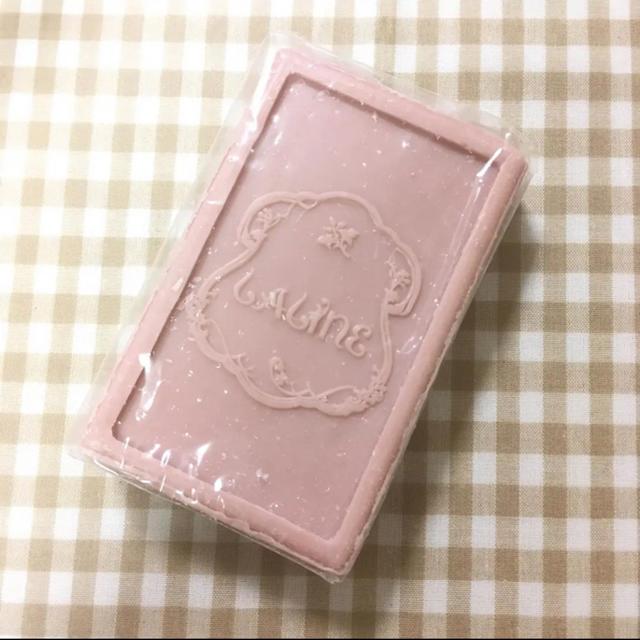 ラリン バー・ソープ(チェリーブロッサムの香り) コスメ/美容のボディケア(ボディソープ/石鹸)の商品写真