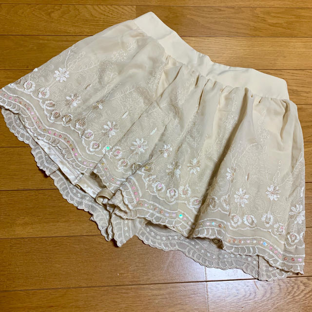 ByeBye(バイバイ)の刺繍 ショートパンツ  レディースのパンツ(ショートパンツ)の商品写真