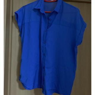 ジーユー(GU)のGUの青シャツ(シャツ/ブラウス(半袖/袖なし))