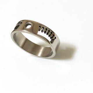 同時購入で300円 ステンレス指輪 王冠 キング(リング(指輪))
