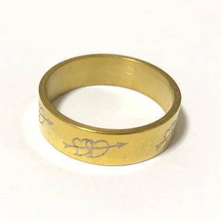 同時購入で300円 ステンレス指輪ハートに矢 ゴールド(リング(指輪))