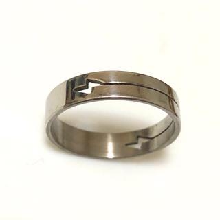 同時購入で300円 ステンレス指輪 イナズマ(リング(指輪))