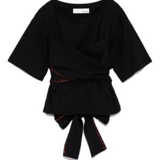 リリーブラウン(Lily Brown)のリリーブラウン バックリボン刺繍Tシャツ(Tシャツ(半袖/袖なし))