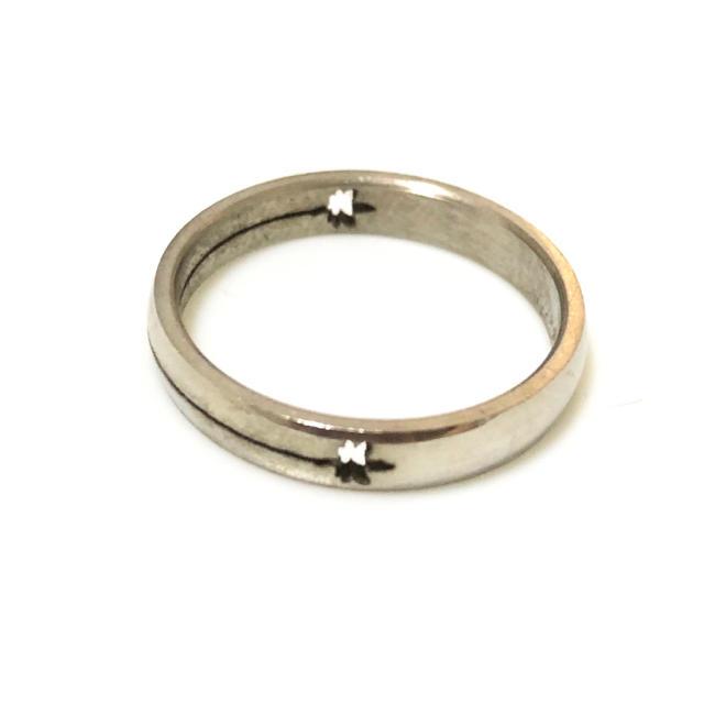 同時購入で300円 ステンレス指輪メープル レディースのアクセサリー(リング(指輪))の商品写真