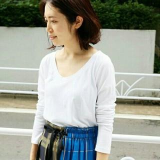 イエナ(IENA)の美品 AURALEE SEAMLESS ラウンドネックロングスリーブTシャツ  (カットソー(長袖/七分))