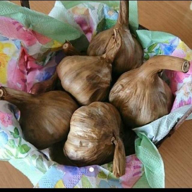 黒にんにく青森県産福地ホワイト バラ760㌘(380㌘×2袋) 食品/飲料/酒の食品(野菜)の商品写真