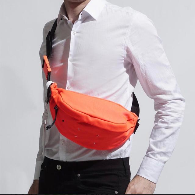Maison Martin Margiela(マルタンマルジェラ)の新品未使用 Maison Margiela ベルトバッグ 2019SS オレンジ メンズのバッグ(ボディーバッグ)の商品写真