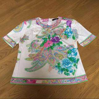 レオナール(LEONARD)のクーポン発行中 交渉可能 美品 レオナール 花柄 トップ(Tシャツ(半袖/袖なし))
