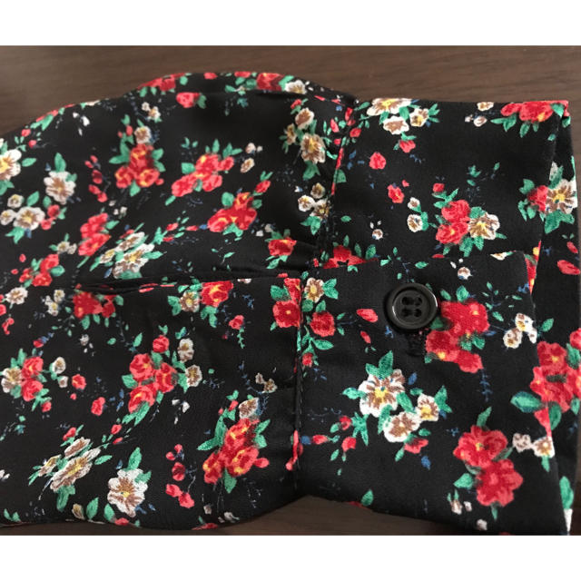 GRL(グレイル)の花柄ブラウス レディースのトップス(シャツ/ブラウス(長袖/七分))の商品写真