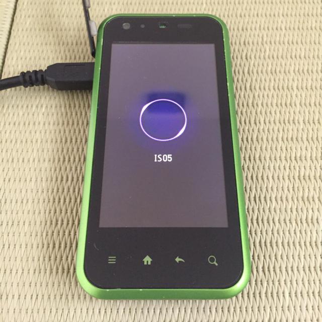SHARP(シャープ)のシャープ  IS05 ワンセグ機能付 スマホ/家電/カメラのスマートフォン/携帯電話(スマートフォン本体)の商品写真