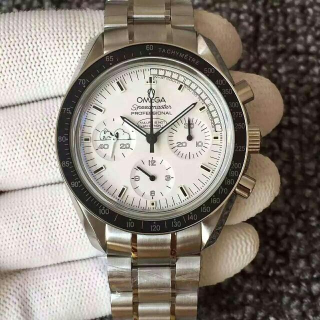 OMEGA(オメガ)のオメガ スピードマスター スヌーピー限定 41.5 新品  メンズの時計(腕時計(アナログ))の商品写真