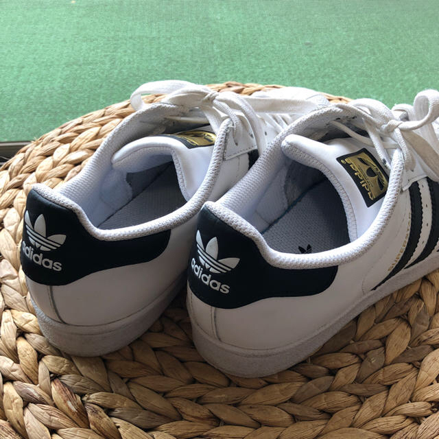 adidas(アディダス)のそーさん専用  adidas スーパースター 23.5  レディースの靴/シューズ(スニーカー)の商品写真
