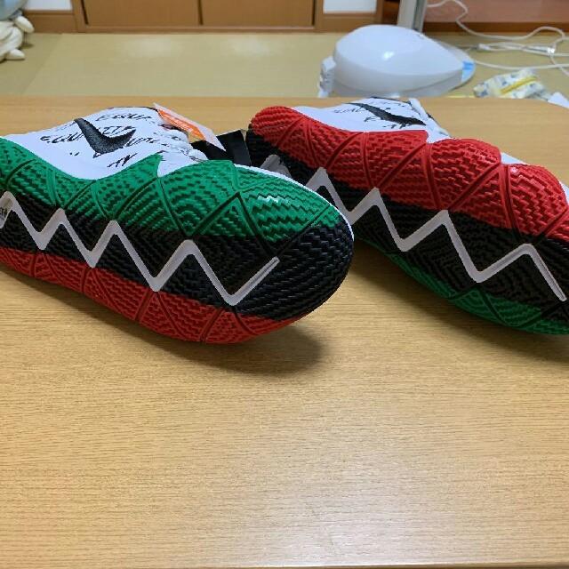 NIKE(ナイキ)のNIKE カイリー4 EP BHM 27.5cm メンズの靴/シューズ(スニーカー)の商品写真
