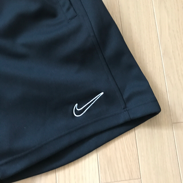 NIKE(ナイキ)のNIKE ハーフパンツ 黒 Lサイズ メンズのパンツ(ショートパンツ)の商品写真