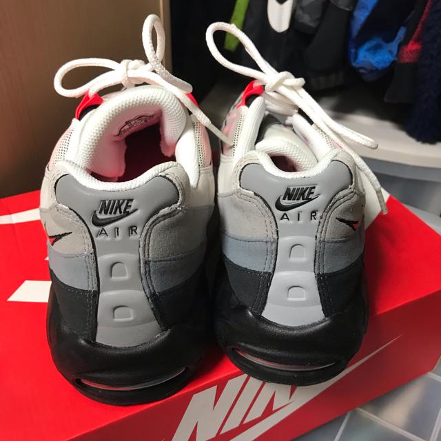 NIKE(ナイキ)のナイキ エアーマックス95 OG ソーラーレッド29センチ 美品 定価以下 メンズの靴/シューズ(スニーカー)の商品写真