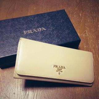 プラダ(PRADA)のPRADA 二つ折り長財布(財布)