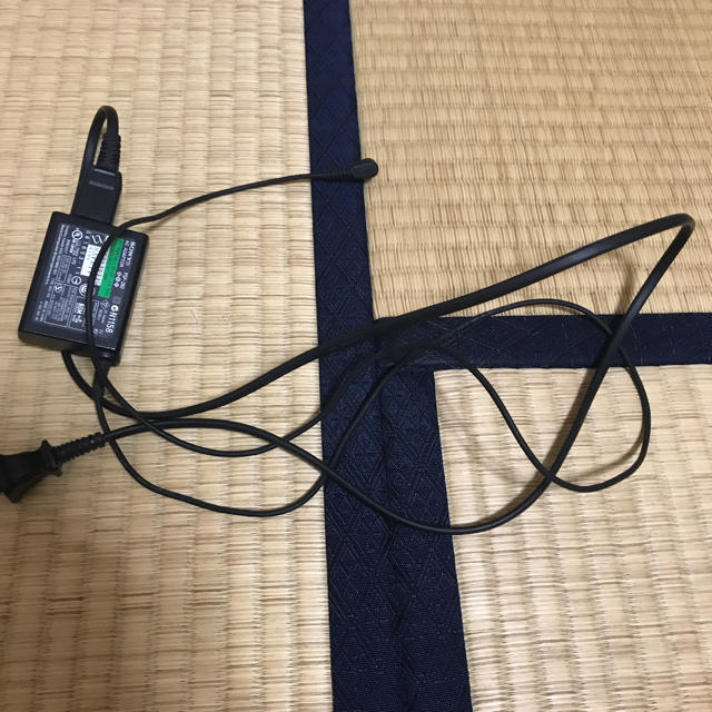 PlayStation Portable(プレイステーションポータブル)のPSP-3000本体 充電コード ケース付き エンタメ/ホビーのテレビゲーム(携帯用ゲーム本体)の商品写真