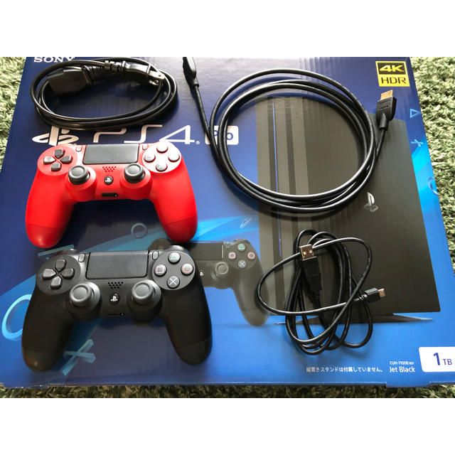 PS4 Pro 1TB CUH-7100B ジェットブラック エンタメ/ホビーのテレビゲーム(家庭用ゲーム本体)の商品写真