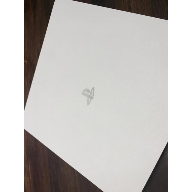 PlayStation4(プレイステーション4)のプレイステーション4 500GBモデル グレイシャーホワイト エンタメ/ホビーのテレビゲーム(家庭用ゲーム本体)の商品写真