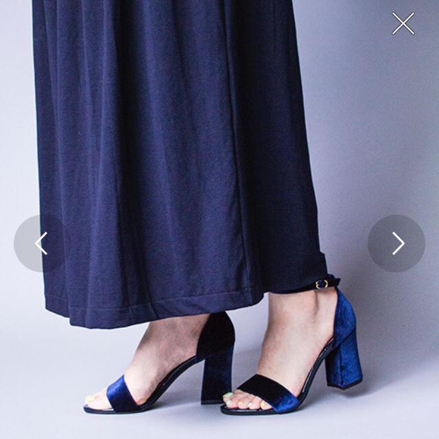 vanitybeauty(バニティービューティー)の新品未使用 バニティビューティー ベロアアンクルストラップハイヒールローパンプス レディースの靴/シューズ(ハイヒール/パンプス)の商品写真