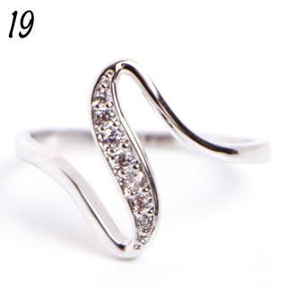 C1 リング 19号 CZ ダイヤ ウェーブ シンプル 大きいサイズ(リング(指輪))