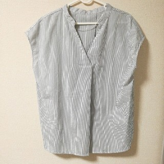 ジーユー(GU)のGU ストライプ スキッパーシャツ(シャツ/ブラウス(半袖/袖なし))