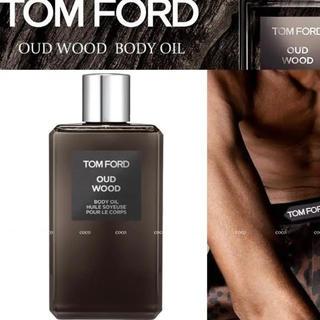 トムフォード(TOM FORD)のTOM  FORD♥️OUD WOOD BODY OIL ウードウッド オイル(香水(男性用))