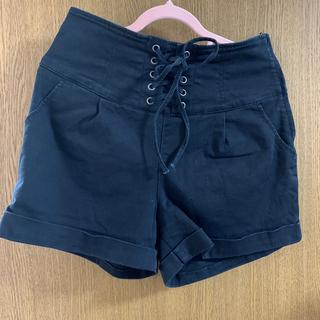 ハニーズ(HONEYS)の黒ズボン(ショートパンツ)
