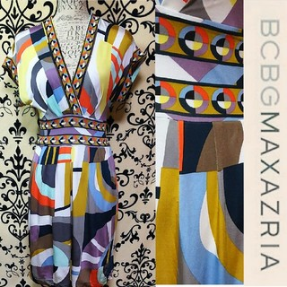 ビーシービージーマックスアズリア(BCBGMAXAZRIA)のBCBGMAXAZRIA カラフルポップなデザインジャージワンピース(ひざ丈ワンピース)