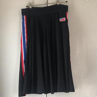 ナイキ(NIKE)のRicardoxNIKEのスポーティスカート(ひざ丈スカート)