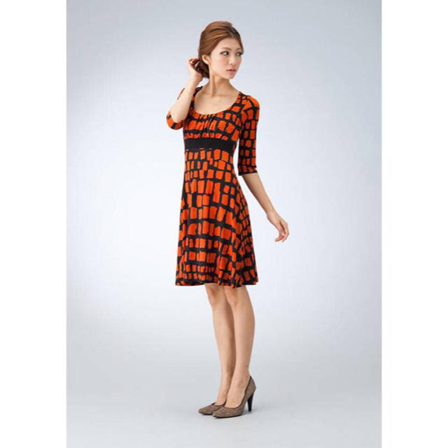 BCBGMAXAZRIA(ビーシービージーマックスアズリア)のLA selection Mary orange dress s  レディースのワンピース(ひざ丈ワンピース)の商品写真