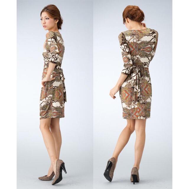 BCBGMAXAZRIA(ビーシービージーマックスアズリア)のLA Brown paisley mini tight dress レディースのワンピース(ひざ丈ワンピース)の商品写真