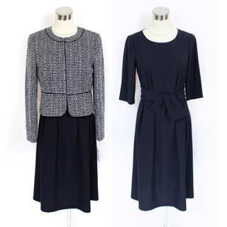 ソワール(SOIR)の新品 リファンネ 9号 アンサンブル スーツ 紺 ワンピース 東京ソワール(スーツ)