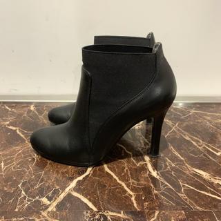 ダイアナ(DIANA)のダイアナ ショートブーツ ブラック ヒール サイズ21.5センチ(ブーツ)