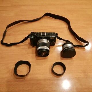 ペンタックス(PENTAX)のPENTAX Q10 レンズ2個付き 美品 おまけ付き(ミラーレス一眼)