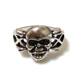 同時購入で300円 ステンレス指輪 スカル&ボーン(リング(指輪))