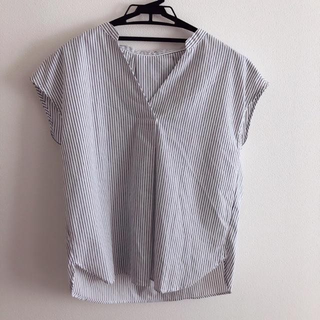 GU(ジーユー)のストライプスキッパーシャツ(半袖) Mサイズ レディースのトップス(シャツ/ブラウス(半袖/袖なし))の商品写真