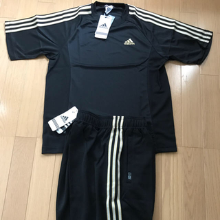 アディダス(adidas)のadidas 3ラインTシャツ上下セット 黒/METAL GOLD M サイズ(Tシャツ/カットソー(半袖/袖なし))