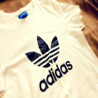 アディダス(adidas)のadidas ロゴT(Tシャツ(半袖/袖なし))