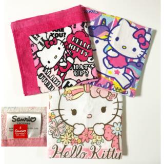 サンリオ(サンリオ)の【新品未使用】Hello Kittyハンドタオル3枚セット(タオル/バス用品)