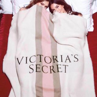 ヴィクトリアズシークレット(Victoria's Secret)の新品タグ付☆Victoria's Secret ブランケット(毛布)