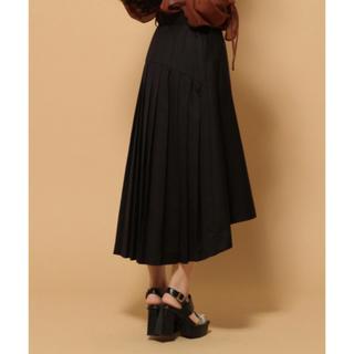 ハレ(HARE)のバックプリーツフレアスカート ブラック(ひざ丈スカート)